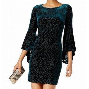 Jessica Howard Green Velvet Dress Bell Sleeves 12